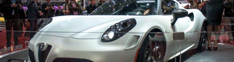 Wie ein Internet-Date: Serienversion des Alfa Romeo 4C in Genf!