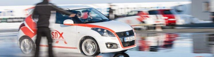 Freudiges Wiedersehen: im Suzuki Swift Sport über den Sachsenring