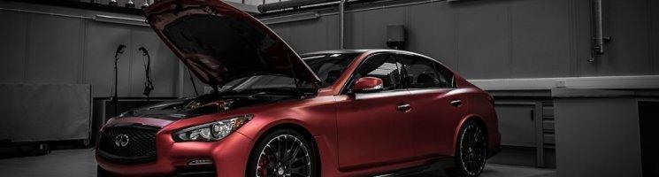 Exklusiver Blick auf den Infiniti Q50 Eau Rouge Prototypen