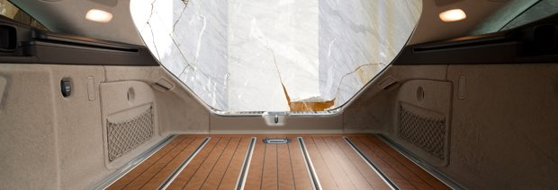 Edler Kirschholzboden für teures Yacht-Flair