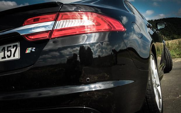 Jaguar XF-R Heck