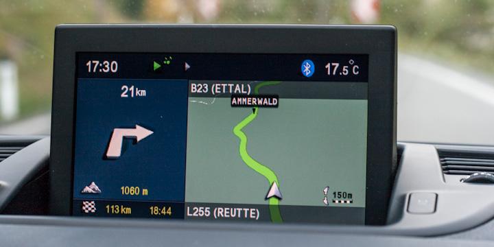 Unschönes und klapperndes Navigationssystem