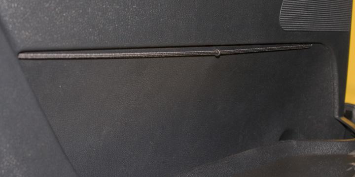 Škoda Fabia RS - Fixierungsbänder an den Türen