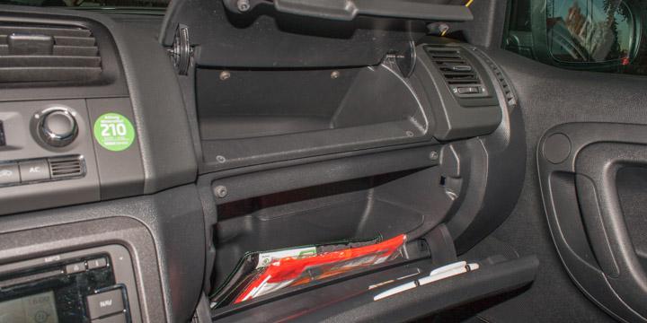 Škoda Fabia RS - Zweiteiliges Handschuhfach