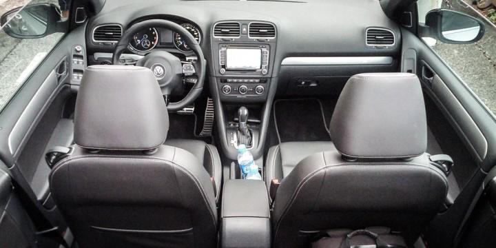 VW Golf R Cabriolet Innenraum / Cockpit