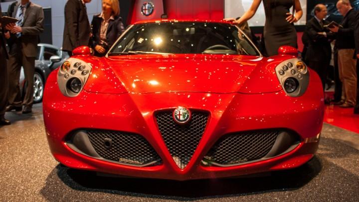 Alfa Romeo 4C in Genf Frontansicht