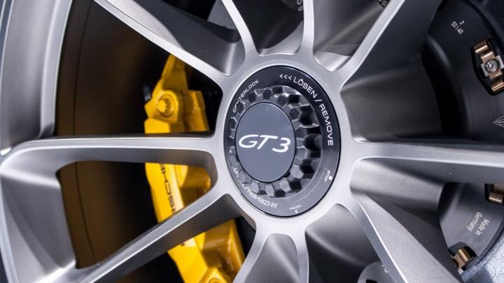 Porsche 911 GT3 991 Genf Felgen Zentralverschluss
