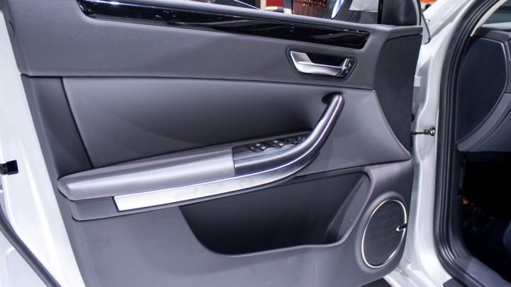 Qoros 3 Sedan, Genf 2013 Türen