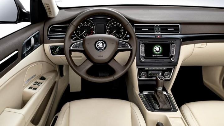 Škoda Superb Facelift 2013 Innenraum