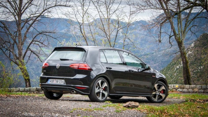 "VW Golf GTI ""Performance"""