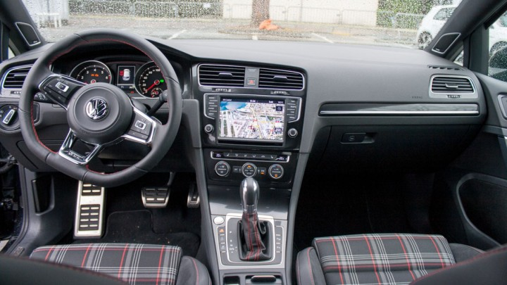 "VW Golf GTI ""Performance"" Cockpit"