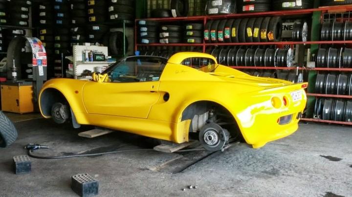 Lotus Elise Reifenwechsel