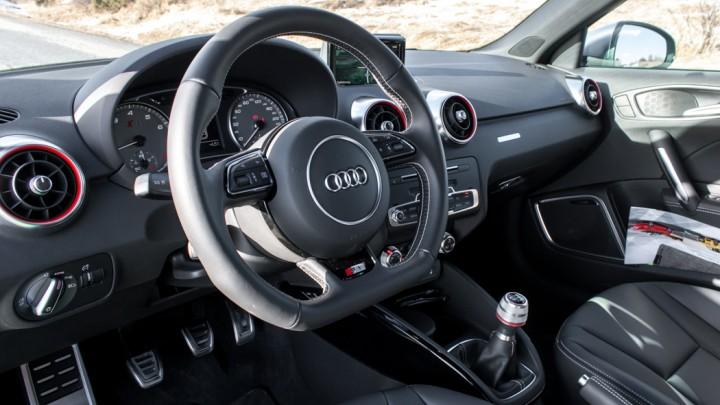 Audi S1 in Vipergrün