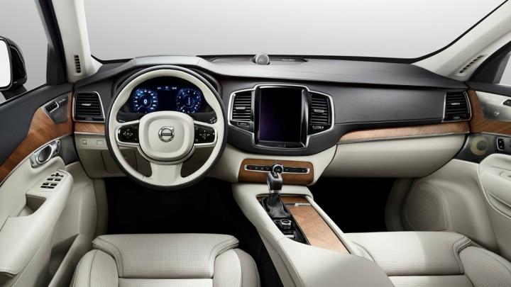 Neuer Volvo XC90 Innenraum Cockpit