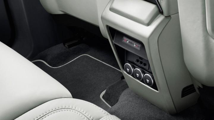 Neuer Land Rover Discovery Sport USB Ports Ladebuchsen Ladeanschlüsse