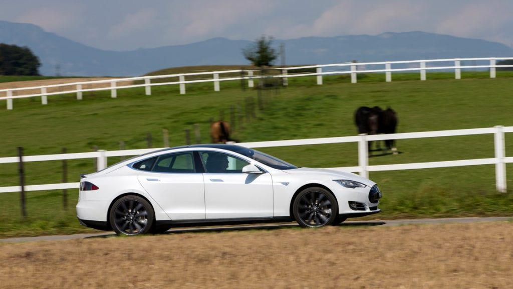 Tesla Model S P85+ - #radical14