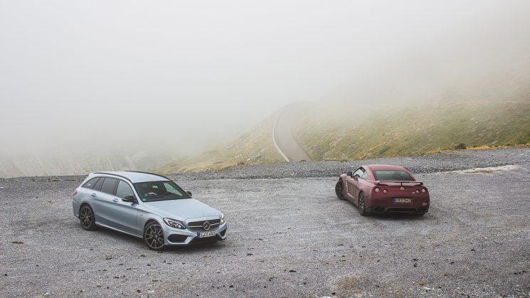 #thepluses3: Nissan GT-R und Mercedes-Benz C450 AMG am Port du Boucharo