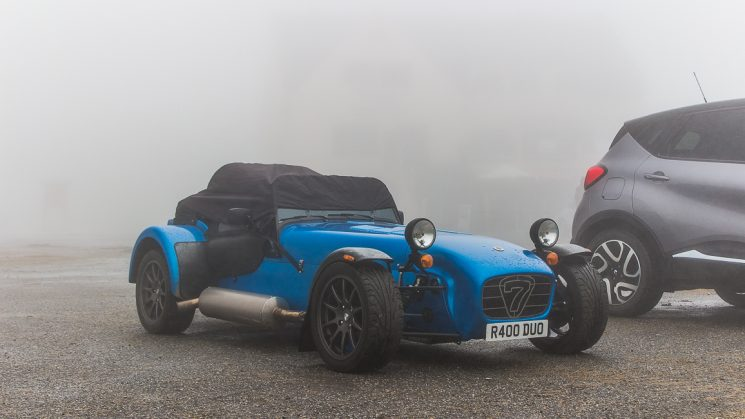 #thepluses3 Roadtrip in die Pyrenäen - Caterham R400 am Col d'Aubisque