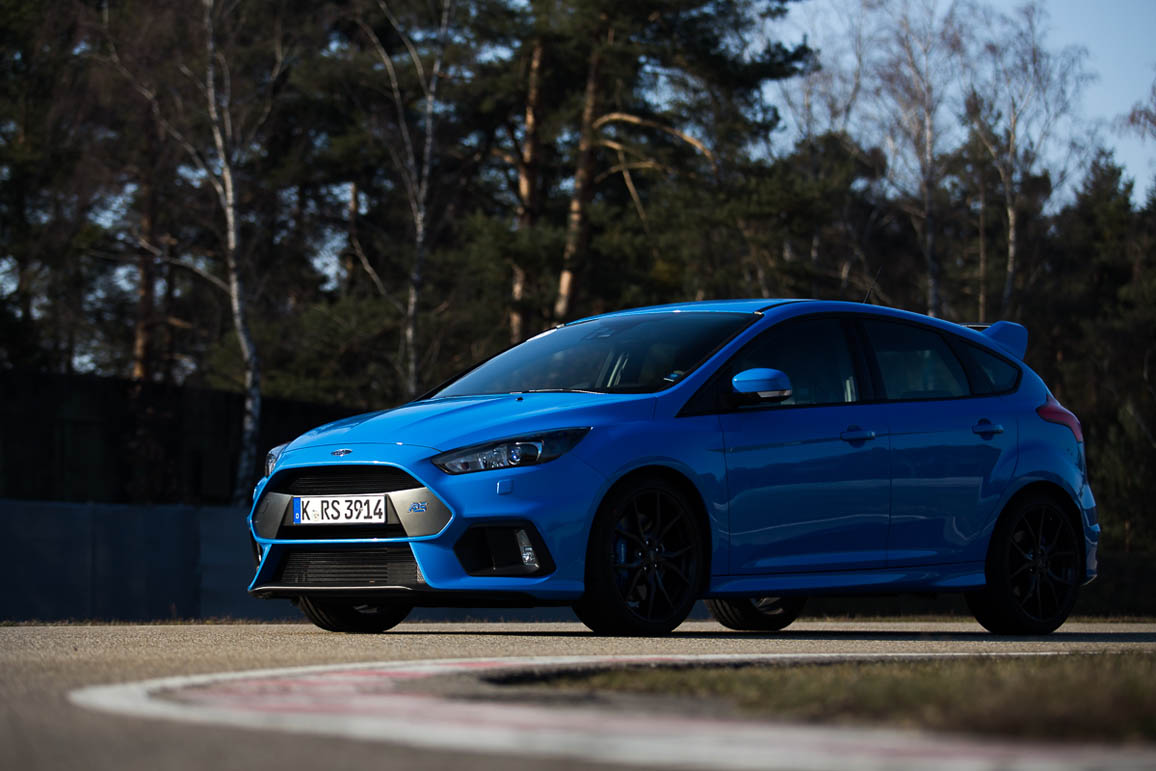 endgegner ford focus rs mk3 im test auf der rennstrecke. Black Bedroom Furniture Sets. Home Design Ideas