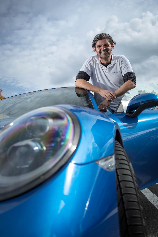 Timo Kluck am Porsche 911 auf der Nordschleife