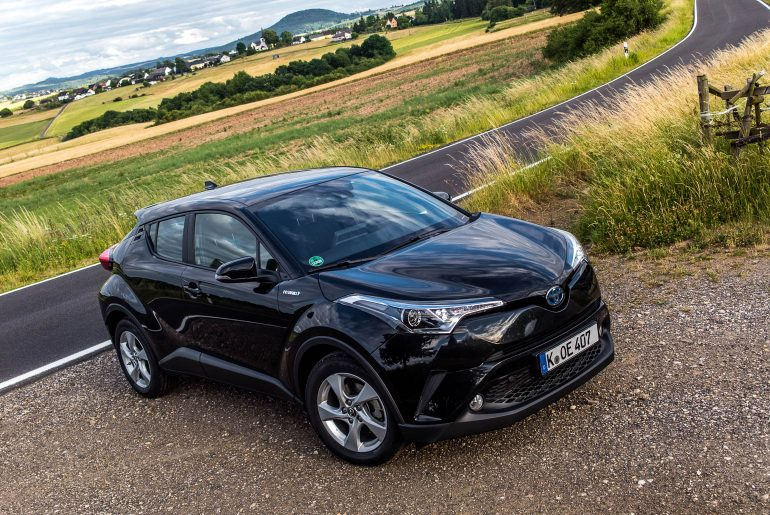 Toyota C-HR Hybrid 4×2 Flow Fahrbericht – Dawn of the Crosshatch.