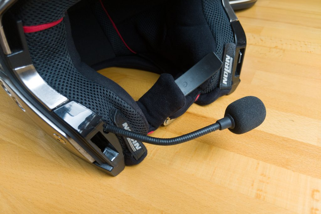 Das Mikrofon kann zur Spracheingabe z.B. für den Google Assistant genutzt werden
