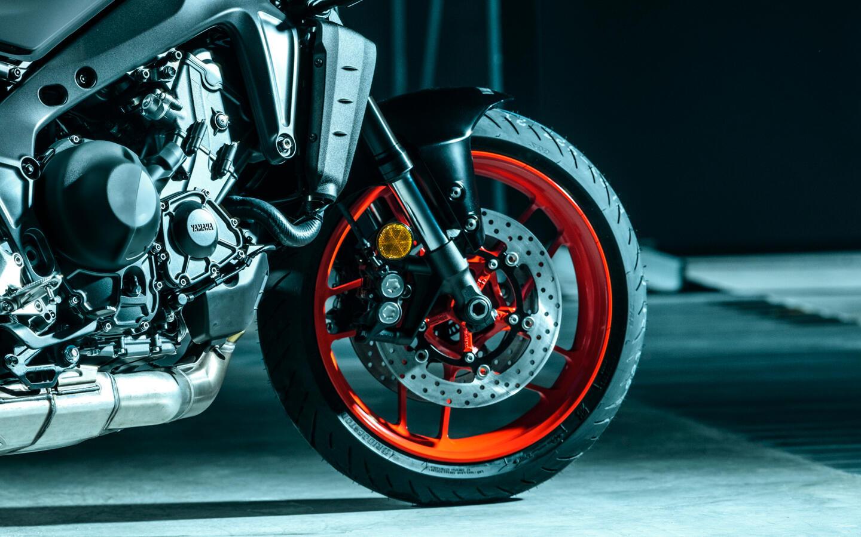 Nissin-Bremsanlage aus der R1 mit radialem Hauptbremszylinder